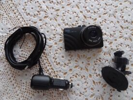 "Front dashcam camera 2.4"" screen"
