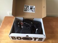 Mens Burton Moto Size 9.5 Snowboard boots *Still in box* ONLY USED ONCE