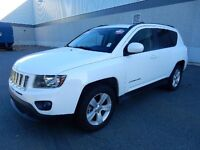 2015 JEEP COMPASS WITH MOONROF AND BLUETOOTH 4x4