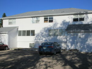 Large Main Floor Suite in Rosthern for Rent