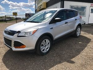 2014 Ford Escape S FWD only 30416 km's!!!