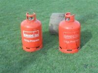 2 x gas bottles , 13kg