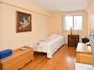 Waterfront condo! Great space! Lovely view!  SOLD! West Island Greater Montréal image 5