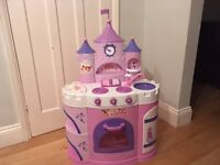 Deluxe Disney Princess Talking kitchen with realistic kitchen sounds