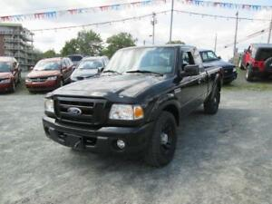 2010 Ford Ranger Sport 4X4...LOW LOW KMS