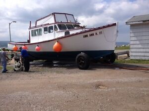 42 foot Boat with Flybridge, no Engine.  Make an Offer
