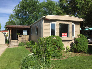 NEWLY RENOVATED MOBILE HOME ~HURON HAVEN-GODERICH~