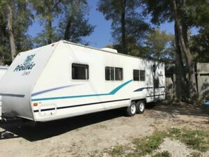 32FT 2004 Fleetwood Prowler Travel Trailer GREAT Condition
