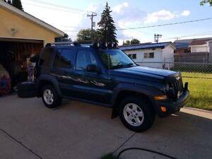 2005 Jeep Liberty Renegade 4X4 LOW KMS