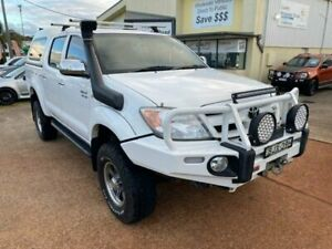 2006 Toyota Hilux GGN25R SR5 (4x4) White 5 Speed Manual Dual Cab Pick-up Port Macquarie Port Macquarie City Preview