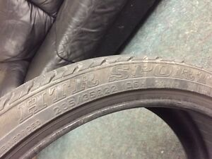 $800 · 4 tires 22 inch rubber on land rover rims 3on rims one ju Regina Regina Area image 2