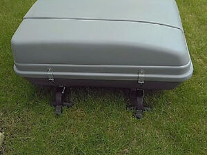 Cargo box and roof rack