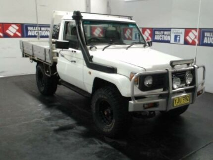 1998 Toyota Landcruiser HZJ75RP (4x4) White 5 Speed Manual 4x4 Cab Chassis