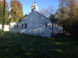 3 bedroom country house, between Bridge of Earn & Glenfarg. Available now, initial six month period