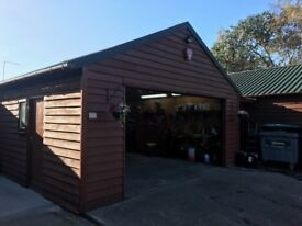MECHANICS WORK SHOP FOR RENT, HOCKLEY, ESSEX, 16M X 7M, VERY SECURE UNIT - PLENTY OF WORK INCLUDED