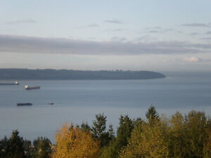 The Hollryidge - South Facing - Ocean View North Shore Greater Vancouver Area image 2