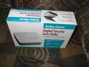 New Radio Shack Digital Emergency Security Auto Dialer/Alarm Sys