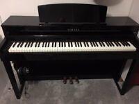 Yamaha Clavinova CLP 470 Piano
