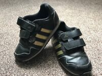 Boys toddler Adidas size 9 trainers