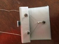 Peoples jewlery earrings and necklace set