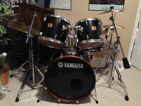 Yamaha full 5-piece drum kit w/cymbals, stands, upgrades