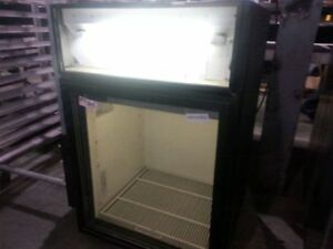 Counter top pop cooler ! 100% cold working condition!SAVE!
