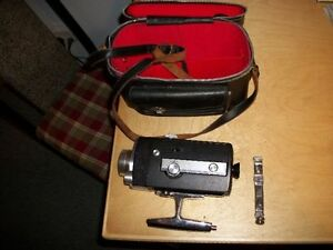 Vintage 1960's BELL & HOWELL Super 8 Movie Camera w/Carry Case