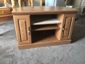 Sturdy Tv Stand Kijiji In Winnipeg Buy Sell Save With