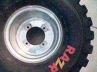 pneu Razr 20.11.8 neuf plus rim itp aluminium !!! pas cher nego!
