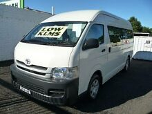 2009 Toyota Hiace KDH223R MY07 Upgrade Commuter White 5 Speed Manual Bus Nowra Nowra-Bomaderry Preview