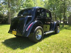 1946 Morris 8