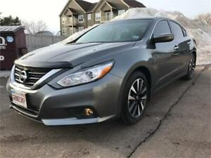 2018 Nissan Altima 2.5 SV - WITH TECH PACKAGE.