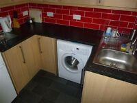 Spacious 3 double bedroom flat available in Old Trafford / Chorlton borders