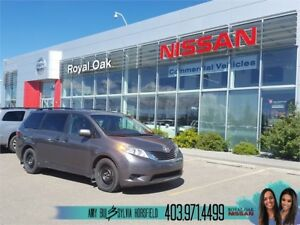 2016 Toyota Sienna LE ** Power Sliding Doors **