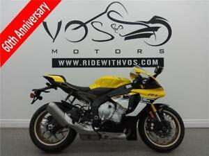 V2377 - 2016 Yamaha YZFR1GY - **Free Delivery in the GTA