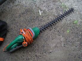 "electric hedge trimmers 24"" double blade"