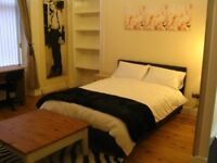 *LUXURY STUDIO IN THE HEART OF GLASGOW-HOLLAND STREET-AVAILABLE 28TH JULY-£635 P/MONTH ALL INCLUSIVE