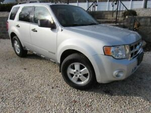 2008 Ford Escape Grey with Tinted Windows