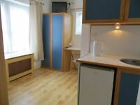 Good Value Compact Studio Flat in Hammersmith