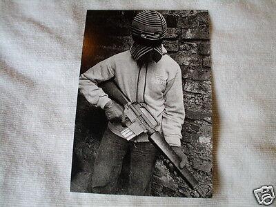 IRISH REPUBLICAN IRA VOLUNTEER ON ASU EARLY SEVENTIES BELFAST POST CARD