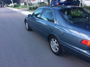 2000 Toyota Camry LE Berline