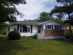 16-059 Lovely 3 bedroom Bungalow in Lower Sackville