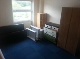 DOUBLE ROOMS FOR RENT AVAILBALE NOW IN HARLOW ESSEX CM18 7PB NO DSS please