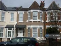 3 bedroom flat in Maryland Road, London, N22 (3 bed)