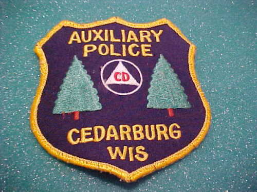 CEDARBURG WISCONSIN AUX.  POLICE PATCH SHOULDER SIZE USED