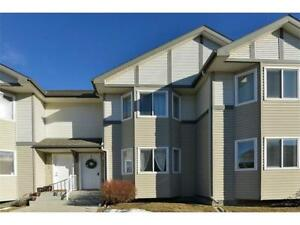 Royal Oak NW | TOWNHOUSE CLOSE TO SHOPPING WITH TWO PARKING