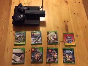 Xbox One with Kinect, 2 controllers and 7 games