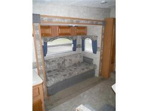 2007 Pilgrim 252RKS Rear kitchen 5th Wheel Trailer with slideout Stratford Kitchener Area image 9