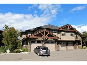 A stunning upper floor unit - desirable Pear Wood Corner complex