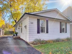 This Renovated Bungalow Is Perfect For A Young Family. Oakville / Halton Region Toronto (GTA) image 2